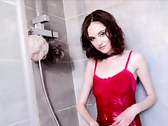 Damsel Play With Herself in Shower