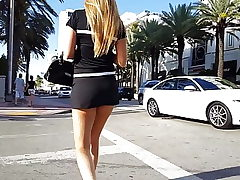 Super-hot teen damsel upskirt (voyeur, long legs, candid, scorching ass)