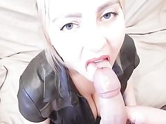 Steaming blonde babe enjoys toys and cum on ass
