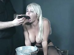 Nasty platinum-blonde mom is being sexually abused and fed on the table